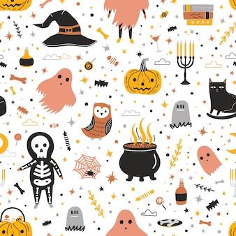 Patrón sin fisuras con lindas criaturas de halloween y elementos en blanco