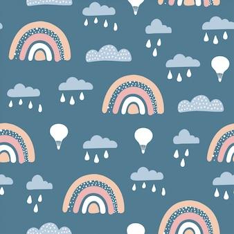 Patrón sin fisuras con lindo globo aerostático, arco iris con elementos dibujados a mano.