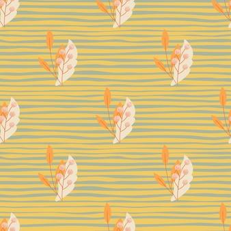Patrón sin fisuras de la temporada de otoño con bayas de serbal naranja y hojas impresas