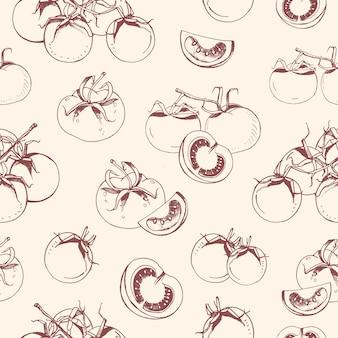 Patrón sin fisuras con tomates enteros y cortados dibujados a mano con líneas de contorno sobre fondo claro.