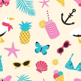 Patrón sin fisuras de verano con frutas exóticas, conchas marinas, gaviotas, hojas tropicales, gafas de sol, mariposas. telón de fondo de verano.