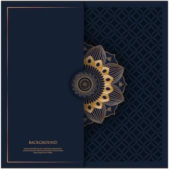 Patrón con mandala de adorno vintage dorado y lugar para el texto sobre fondo azul marino para invitación, fondo de postal