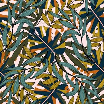 Patrón transparente tropical brillante con plantas y hojas.