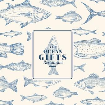 Patrón transparente de vector dibujado a mano. tarjeta de paquete de pescado o plantilla de portada con emblema de regalos de lubina. fondo de arenque, anchoa, atún, dorado, lubina y salmón.