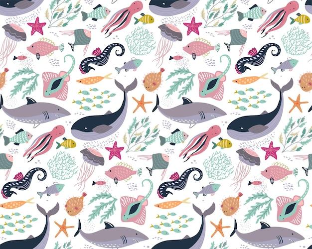 Patrón transparente de vector con peces y animales marinos, medusas, pulpo, ballena, tortuga, cangrejo estrella