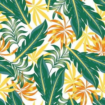 Patrón tropical transparente botánico con plantas brillantes y hojas sobre un fondo claro