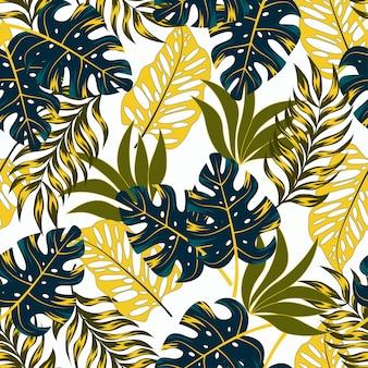Patrón tropical transparente botánico con plantas brillantes y hojas sobre un fondo delicado