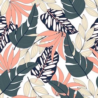 Patrón tropical transparente de moda con plantas brillantes y hojas sobre un fondo blanco.