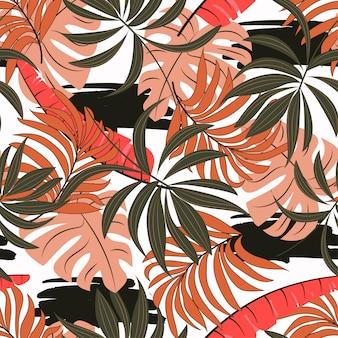 Patrón tropical transparente de verano con hojas y plantas de color rosa y blanco brillante