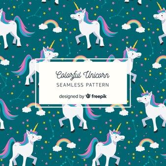 Patrón unicornios dibujados a mano
