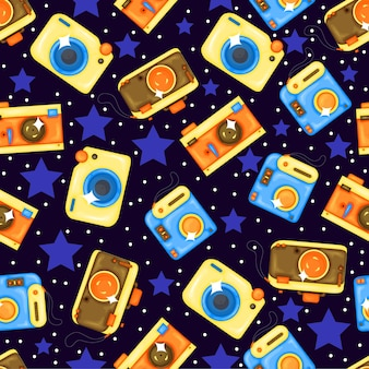Patrón de verano con cámaras. estilo de dibujos animados.