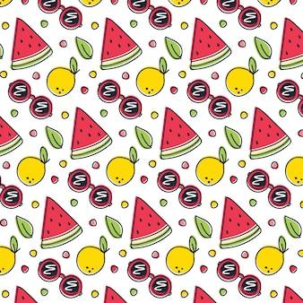 Patrón de verano con frutas y gafas de sol.