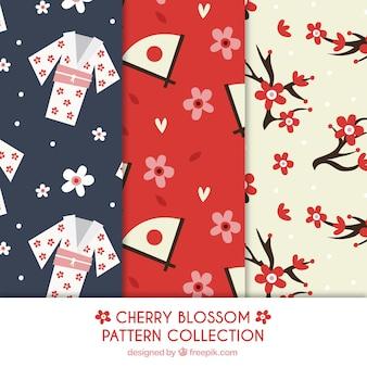 Patrones de colores con flores del cerezo y elementos japoneses