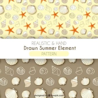 Patrones de elementos de verano realistas y dibujados a mano