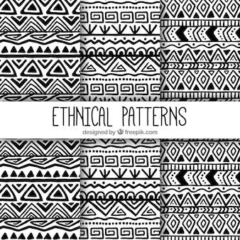 Patrones de formas étnicas dibujadas a mano