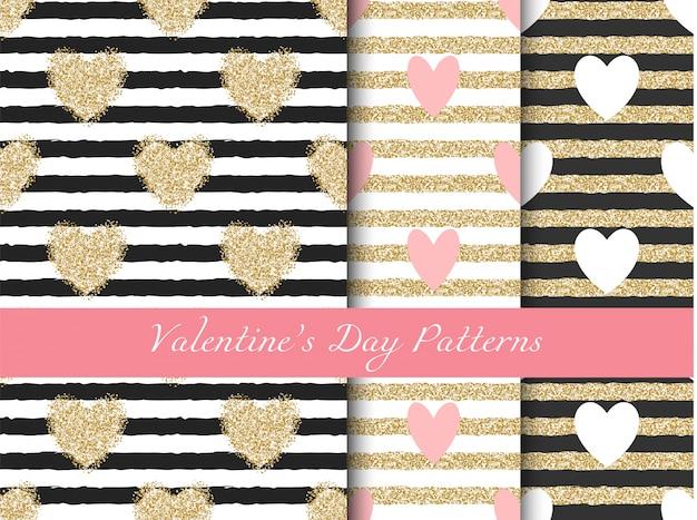 Patrones de rayas doradas con corazones de san valentín