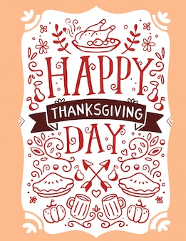 Pavo asado, verduras, hojas y texto feliz día de acción de gracias en naranja