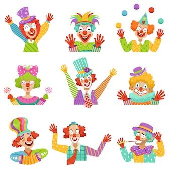 Payasos amistosos de dibujos animados felices carácter ilustraciones coloridas sobre un fondo blanco