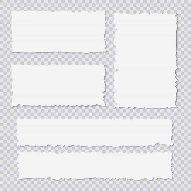 Pedazos de papel rasgados blancos en blanco sobre fondo transparente
