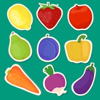 Pegatinas brillantes de frutas y verduras aisladas sobre un fondo verde con bordes blancos