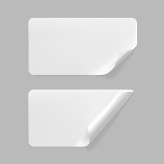 Pegatinas rectangulares pegadas blancas con esquinas rizadas