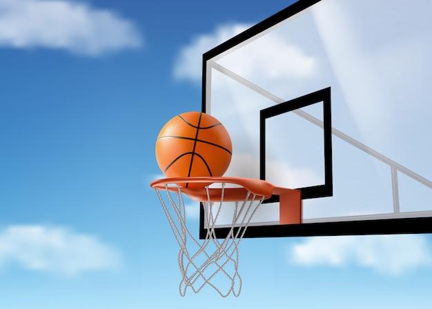 Pelota de baloncesto cayendo en red en el tablero