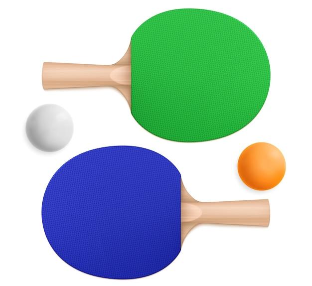 Pelotas de ping-pong 3d y paletas deportivas azules y verdes con asas de madera en la vista superior e inferior