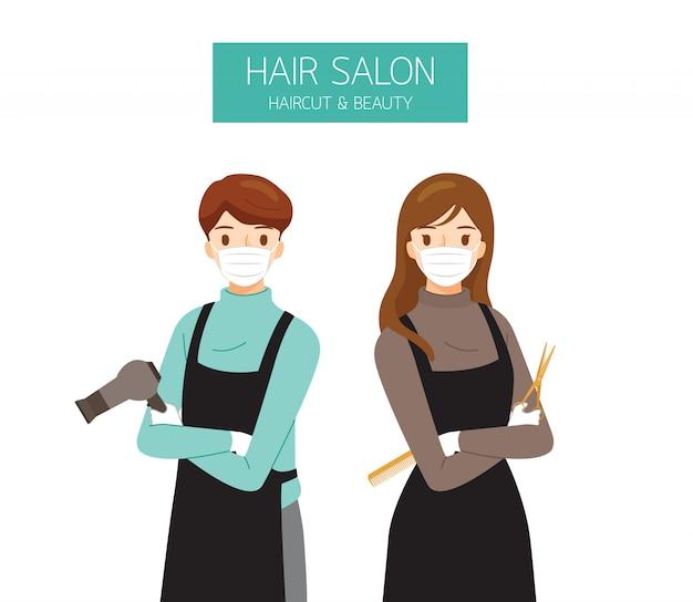 Peluquería femenina y masculina con mascarilla quirúrgica con equipos de peluquería en las manos