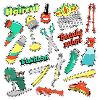 Peluquería parches, insignias, pegatinas con tijeras y peine para salón de belleza. vector doodle