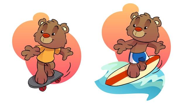 Pequeño oso de dibujos animados palying skateboard y tabla de surf