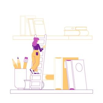 Pequeño personaje femenino en el almacenamiento de literatura