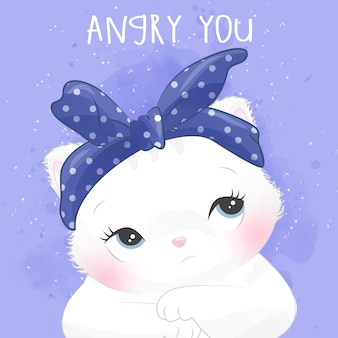 Pequeño retrato lindo del gatito con expresión enojada