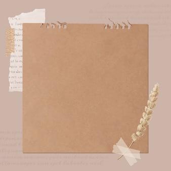 Periódico rasgado y tallo de flor en antiguo banner de papel marrón