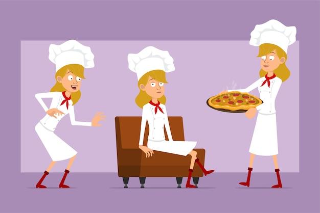 Personaje de dibujos animados chef plano cocinero mujer en uniforme blanco y sombrero de panadero. chica descansando, llevando pizza italiana con salami y champiñones.