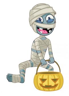 Personaje de dibujos animados momia sostenga la calabaza de halloween
