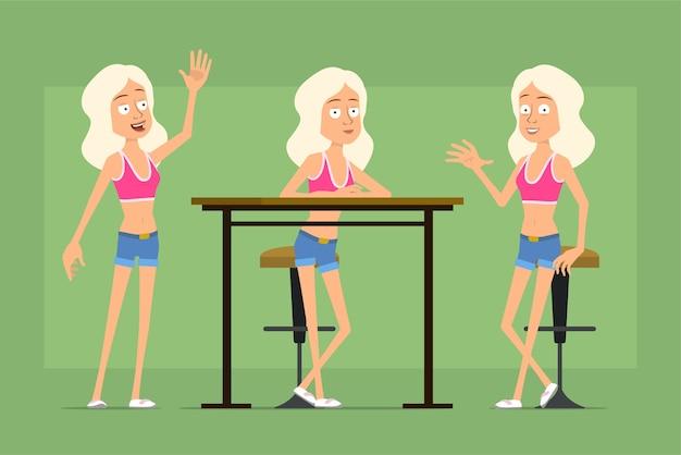 Personaje de dibujos animados plano divertido deporte mujer en pantalones cortos de camisa y jeans. chica descansando, sentada en una silla y diciendo hola.