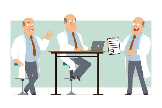 Personaje de dibujos animados plano divertido gordo médico calvo en uniforme blanco con corbata. niño trabajando en la computadora portátil y sosteniendo la lista de tareas pendientes. listo para la animación. aislado sobre fondo verde. conjunto.
