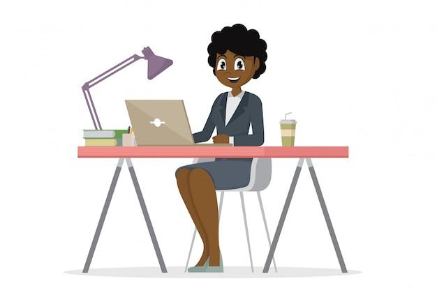 Personaje de dibujos animados plantea, mujer de negocios africanos en el escritorio está trabajando en la computadora portátil.