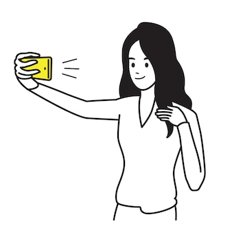 Personaje de mujer bonita, feliz y sonriente, con mano sosteniendo smartphone, haciendo foto selfie.