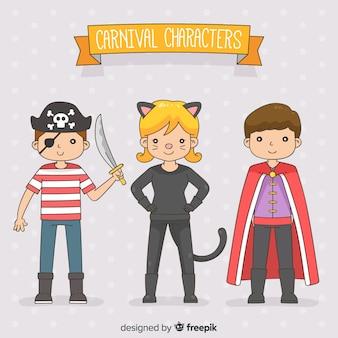 Personajes de carnaval con disfraces