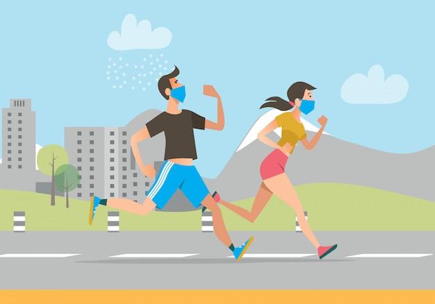 Personas activas con mascarillas corriendo al aire libre