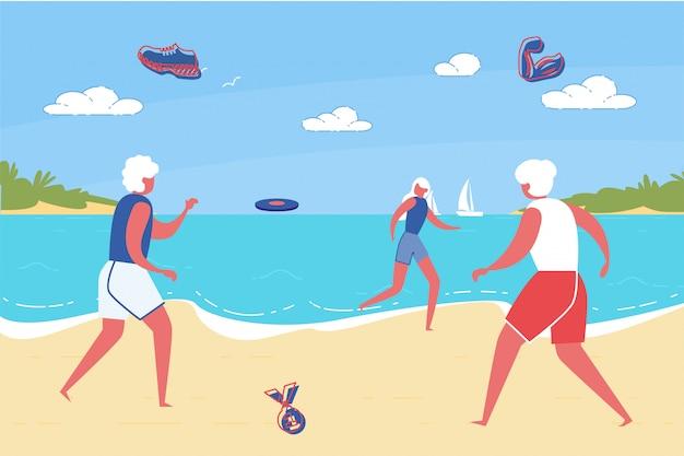 Personas activas mayores que disfrutan de vacaciones de verano en el mar.