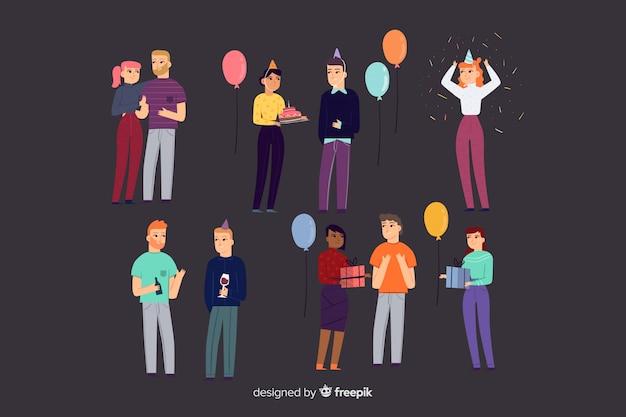 Personas con decoración de cumpleaños.