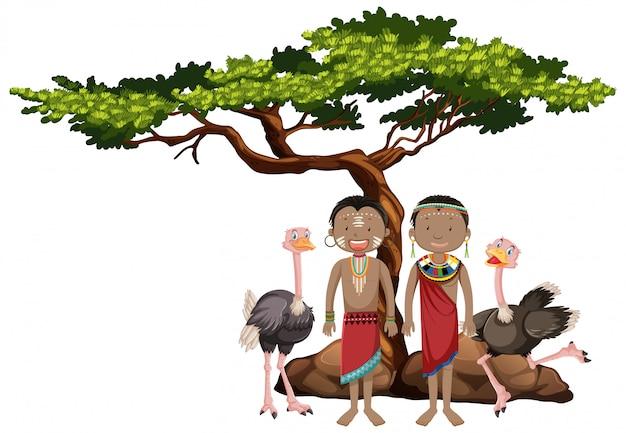 Personas étnicas de tribus africanas en vestimentas tradicionales