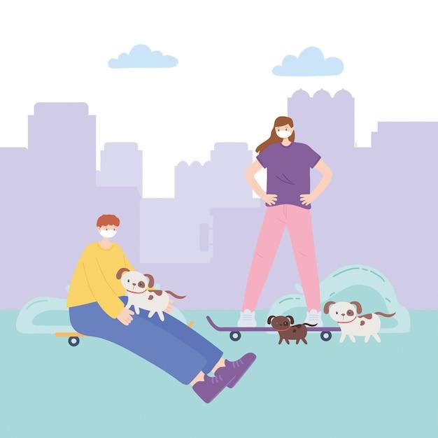 Personas con mascarilla médica, niño y niña con patines y perros en el parque