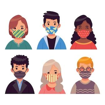 Personas con mascarillas de tela
