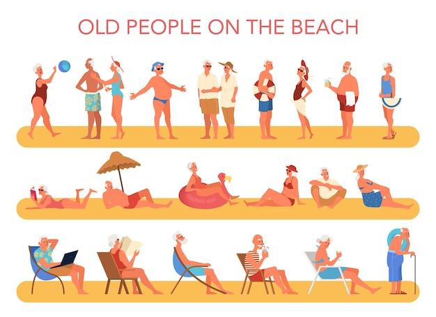 Personas mayores felices y activas que pasan tiempo en la playa. personas jubiladas en sus vacaciones de verano. mujer y hombre jubilado.