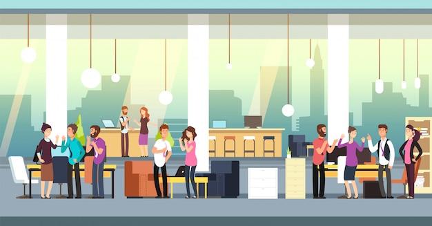 Personas en la oficina de coworking. compañeros de trabajo creativos en ropa casual en espacios abiertos interiores. ilustración
