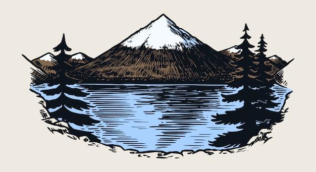 Picos montañosos, rocas antiguas, antiguas cordilleras. dibujo al aire libre de vector dibujado a mano en estilo grabado.