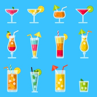 Piña colada, jugo, mojito y otros diversos cócteles alcohólicos de verano